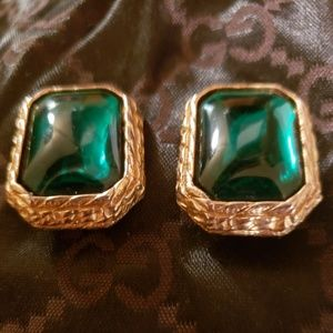 Vintage gold tone green Dauplause earrings